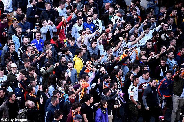 Champions League: Mourinho tan giấc mộng lớn; đội bóng từ tâm dịch Covid-19 tạo nên kỳ tích - Ảnh 4.
