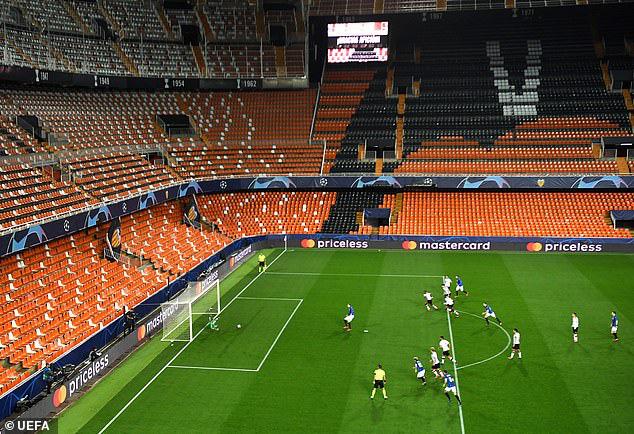 Champions League: Mourinho tan giấc mộng lớn; đội bóng từ tâm dịch Covid-19 tạo nên kỳ tích - Ảnh 3.
