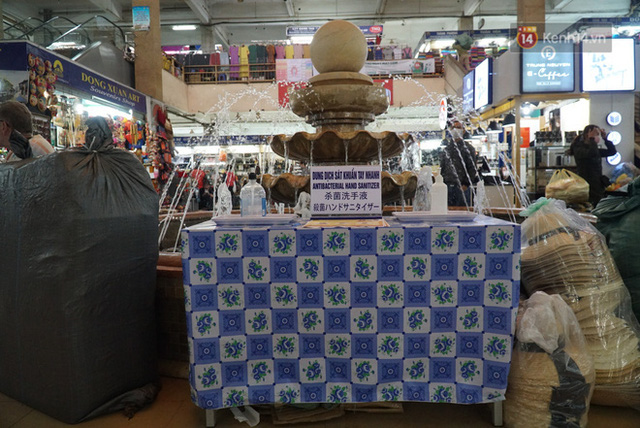 Ảnh: Cảnh tượng đìu hiu tại khu chợ lớn nhất Hà Nội trong mùa dịch Covid-19 - Ảnh 11.