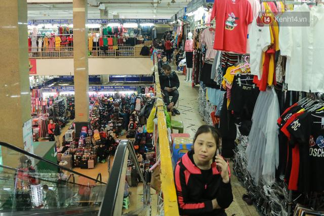 Ảnh: Cảnh tượng đìu hiu tại khu chợ lớn nhất Hà Nội trong mùa dịch Covid-19 - Ảnh 10.