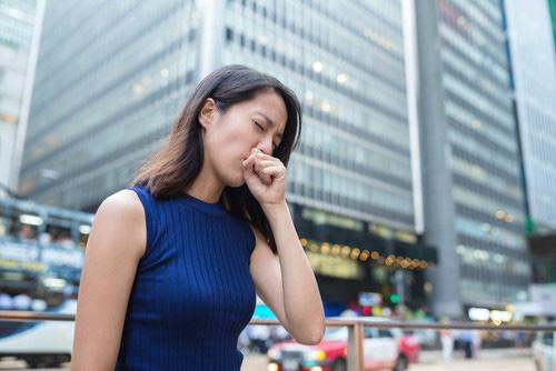 6 điều cần làm để phòng Covid-19 khi có trường hợp ho, sốt, khó thở tại nơi làm việc, ký túc xá - Ảnh 2.