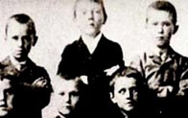Giải mã Hitler: Hành trình lột xác từ 1 người vô gia cư đến ác quỷ đội lốt người - Ảnh 2.