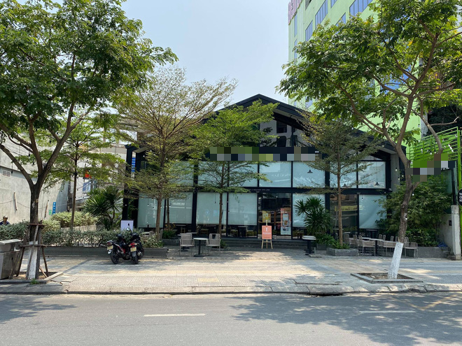 Nhiều cửa hàng, khách sạn tại Đà Nẵng đóng cửa vì có hai du khách người Anh dương tính với Covid-19 ghé thăm - Ảnh 4.