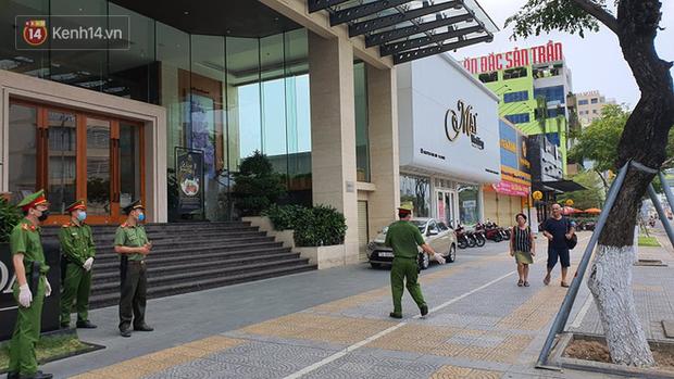 Phía sau hình ảnh người phụ nữ trong khu cách ly ở Đà Nẵng với tấm biển nhờ các anh công an mua giúp em 1 bát cháo cho em bé - Ảnh 5.