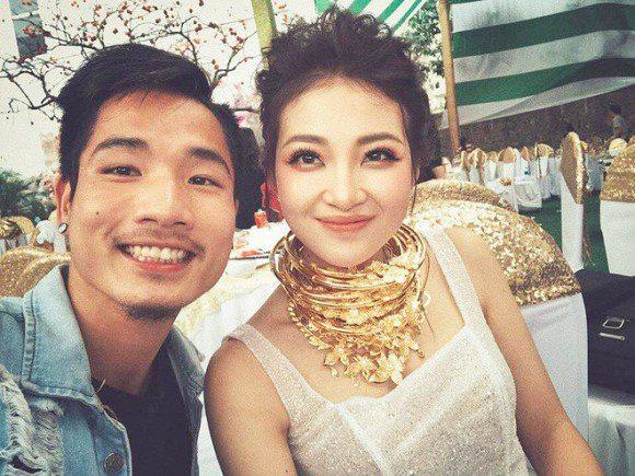 Hé lộ hình ảnh hiếm hoi về con gái mới sinh của cô dâu đeo 200 cây vàng ở Nam Định - Ảnh 6.