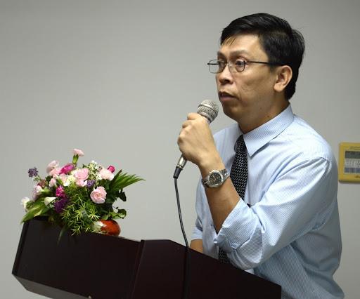 Bác sĩ Việt tại Mỹ giải đáp câu hỏi lớn: Khẩu trang y tế có phòng được virus corona không? - Ảnh 1.