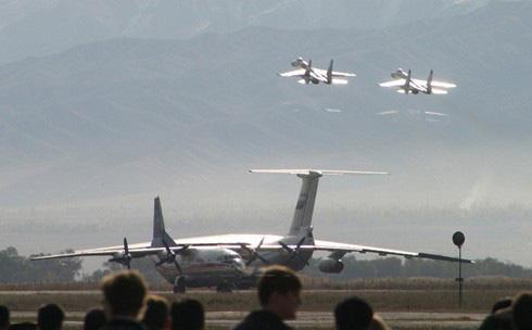 Mỹ và NATO choáng váng trước hàng rào căn cứ quân sự của Nga trên khắp thế giới - Ảnh 2.
