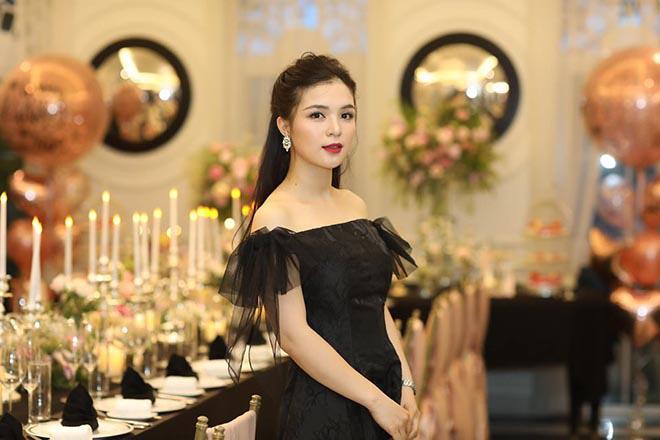 Chị gái ruột, nổi tiếng một thời trên VTV của Hòa Minzy khoe ảnh bikini gợi cảm - Ảnh 12.