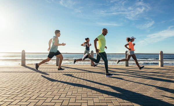 Giải ngố: Tập thể dục có tạm thời làm suy yếu hệ miễn dịch của bạn hay không? - Ảnh 1.