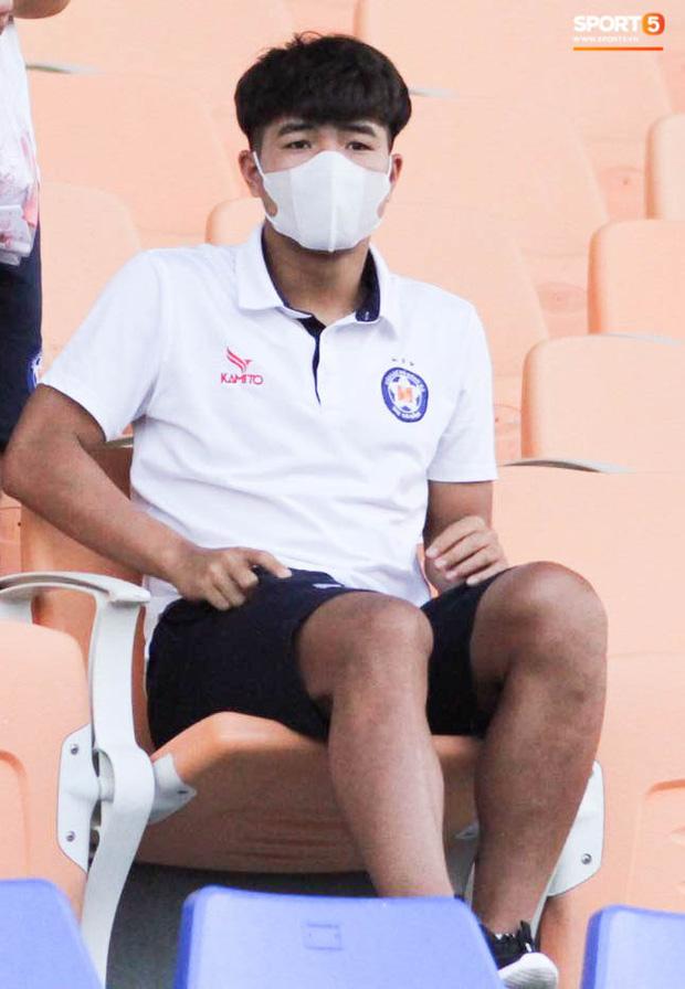 HLV trưởng tiết lộ sốc về bệnh của Hà Đức Chinh: Hiện tại chơi bóng sẽ nguy hiểm tính mạng, phải rất lâu nữa mới trở lại sân cỏ - Ảnh 5.