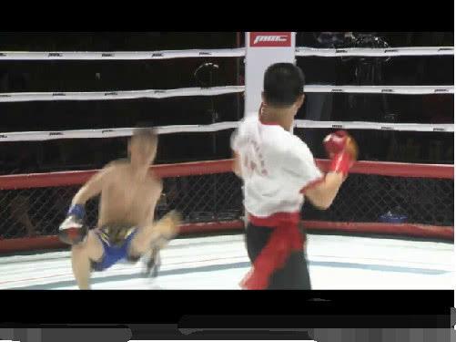 Chỉ dùng 3 đòn, võ sư Vịnh Xuân Quyền hạ gục đấu sĩ Muay Thái sau 13 giây - Ảnh 2.