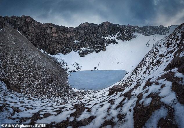 Điều khủng khiếp gì khiến hồ Roopkund có đến 800 bộ xương người? - Ảnh 3.