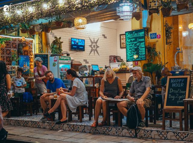 Cafe Việt lại được vinh danh trên CNN không chỉ về chất lượng mà còn vì người Việt tạo được phong cách sống độc tôn, sự thật chúng ta đã làm điều đó như thế nào? - Ảnh 1.