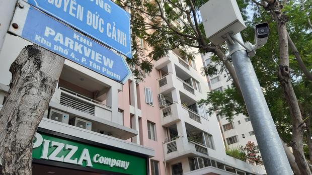 TP.HCM: Phong tỏa, cách ly toàn bộ chung cư cao cấp ở Phú Mỹ Hưng sau ca nhiễm Covid-19 số 66 - Ảnh 2.
