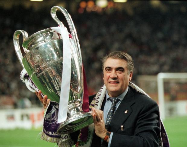 Cựu chủ tịch Real Madrid đang giữa lằn ranh sinh tử vì Covid-19, nhưng câu chuyện đằng sau lại thật sự cảm động - Ảnh 1.