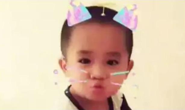 Em bé từng bị mẹ đâm 90 nhát kéo vào mặt vì cắn ti mẹ khi đang bú giờ ra sao? - Ảnh 4.