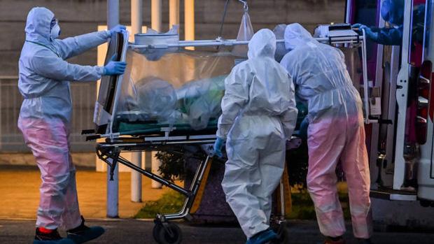 Bữa tối của đại gia đình Mỹ trở thành nỗi ám ảnh vì làm lây lan virus corona khiến 7 thành viên nhiễm bệnh, 3 người tử vong - Ảnh 2.