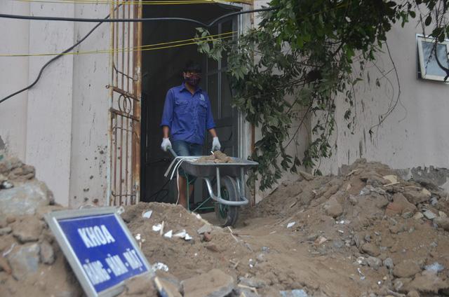 Chùm ảnh: Cận cảnh quá trình biến bệnh viện bỏ hoang ở Hà Nội thành khu cách ly dành cho 200 người - Ảnh 5.