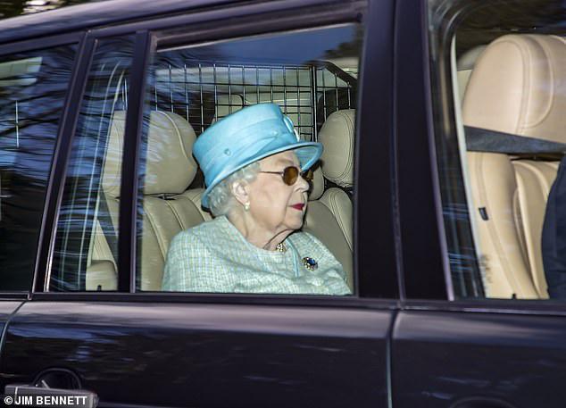 Nữ hoàng Anh xuất hiện kém sắc sau thông tin không được gặp chắt Archie, gây phẫn nộ hơn là hành động mới nhất của vợ chồng Meghan Markle - Ảnh 1.