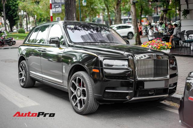 Mới chạy 2.000 km, Rolls-Royce Cullinan có giá bán lại rẻ hơn 20 tỷ so với giá mua mới - Ảnh 3.