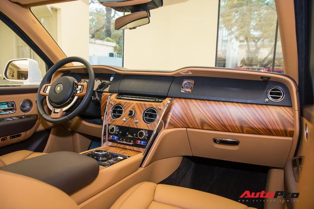 Mới chạy 2.000 km, Rolls-Royce Cullinan có giá bán lại rẻ hơn 20 tỷ so với giá mua mới - Ảnh 4.