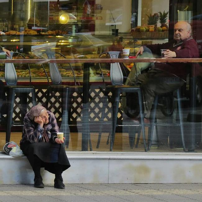Nhiếp ảnh đường phố và những khoảnh khắc tình cờ đến sững sờ (P1) - Ảnh 8.