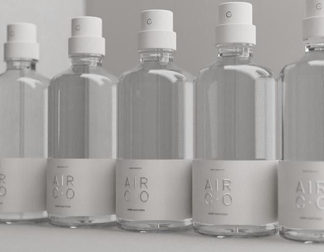 Start-up sản xuất rượu từ không khí chuyển sang sản xuất nước rửa tay khô trong dịch Covid-19: Không bán, chỉ để tặng - Ảnh 1.