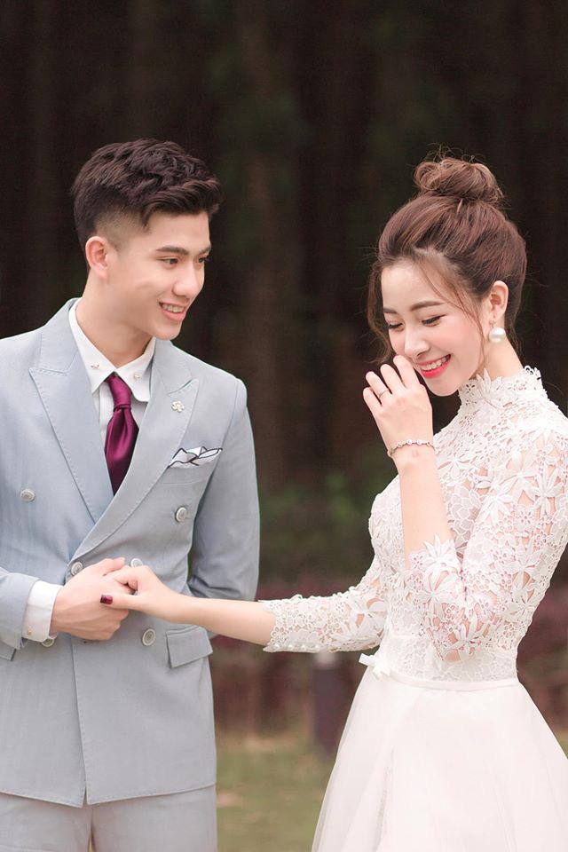 Hot girl Nhật Linh vợ Văn Đức ở ẩn nhất quyết không khoe bụng bầu, song nhan sắc ngày càng cuốn hút nhờ mái tóc ngắn - Ảnh 1.