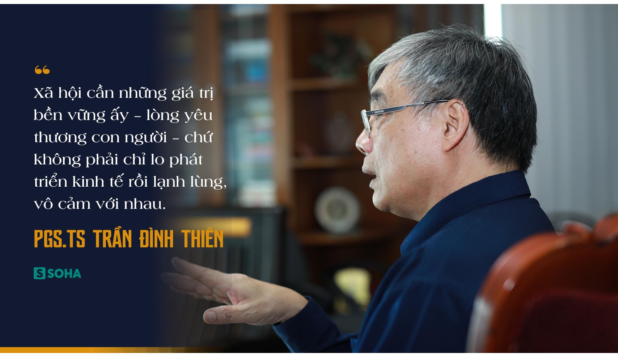 PGS.TS Trần Đình Thiên: Việt Nam vẫn có thể lật ngược tình thế tăng trưởng nếu chống dịch Covid-19 cho kết quả tốt - Ảnh 11.