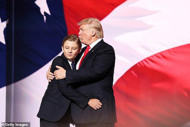 Quý tử Barron Trump cao gần 2m, đón sinh nhật tuổi 14 theo cách đặc biệt giữa thời điểm dịch Covid-19 lan rộng - Ảnh 2.
