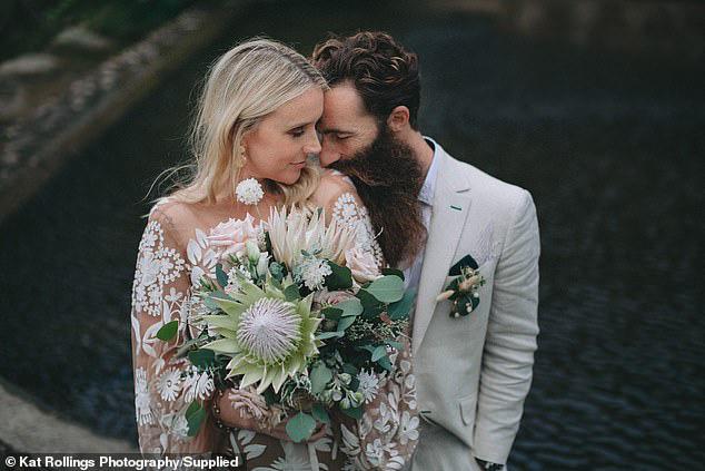 Bất chấp Covid-19, cặp đôi vẫn tổ chức đám cưới với 140 khách mời, nào ngờ khiến 31 người dương tính với virus SARS-CoV-2 - Ảnh 3.