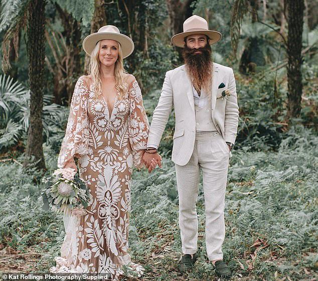 Bất chấp Covid-19, cặp đôi vẫn tổ chức đám cưới với 140 khách mời, nào ngờ khiến 31 người dương tính với virus SARS-CoV-2 - Ảnh 4.