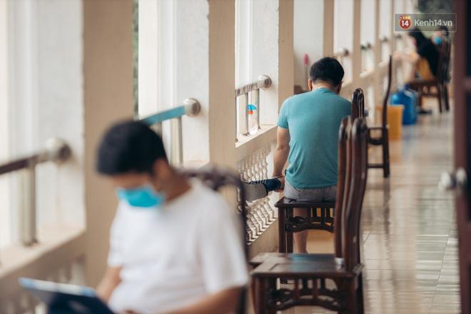 Những chú bộ đội, nhân viên y tế qua ống kính một du học sinh đang cách ly ở Bắc Ninh: Thật hạnh phúc khi được ở đây!  - Ảnh 25.