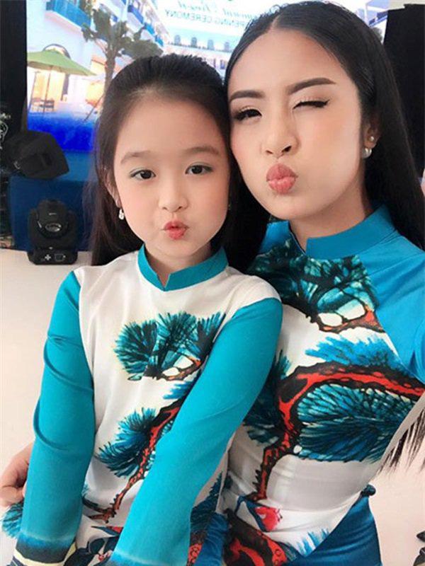 Cặp mẹ con khiến ai nhìn cũng thích vì quá xinh, profile của cô con gái rất khủng nhưng sự nghiêm khắc của người mẹ lại càng được chú ý - ảnh 4