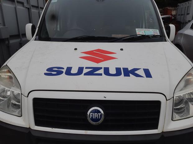 Trên thì Suzuki, dưới thì Fiat...