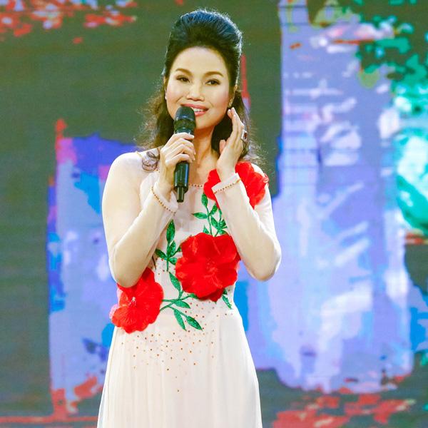 Ca sĩ Thùy Trang: Người ta đồn tôi lấy chồng đại gia và đã chết - Ảnh 4.