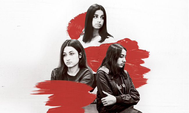 Vụ án 3 con gái giết cha đẻ rúng động nước Nga: Bị bạo hành, cưỡng bức nhiều năm nhưng nói không ai tin, chọn cách giết người để được giải thoát - Ảnh 1.