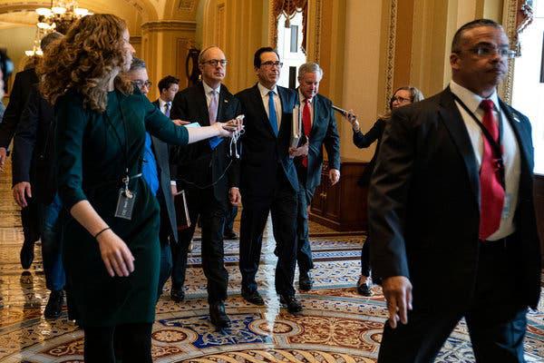 Nhà Trắng thông báo lúc nửa đêm về thỏa thuận gói cứu trợ COVID-19 kỷ lục 2.000 tỉ USD - Ảnh 1.