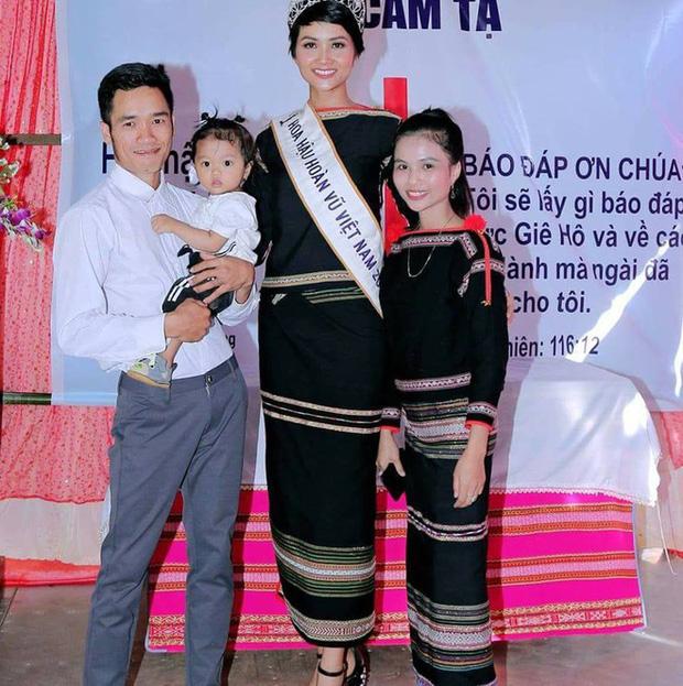 Hội chị em gái sao Việt toàn mỹ nhân: Nhà Nhã Phương gen quá trội, đại diện phía Mai Phương Thuý - Tường San như hotgirl - Ảnh 11.