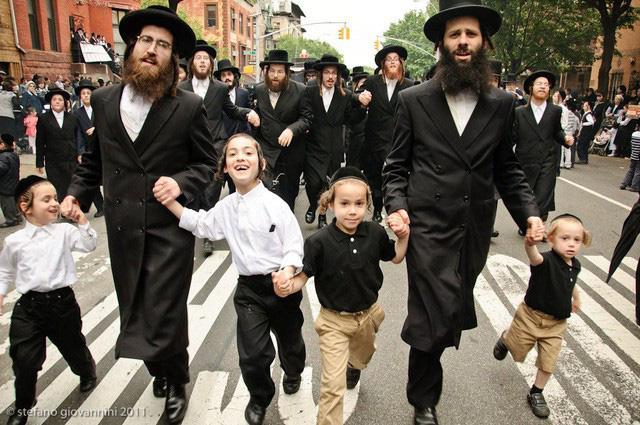 Người Do Thái quan niệm có 3 điều quan trọng nhất trong cuộc sống thực sự phải làm: Điều thứ 3 ẩn chứa sau câu hỏi Nếu nhà cháy, con sẽ đem theo vật gì? - Ảnh 3.