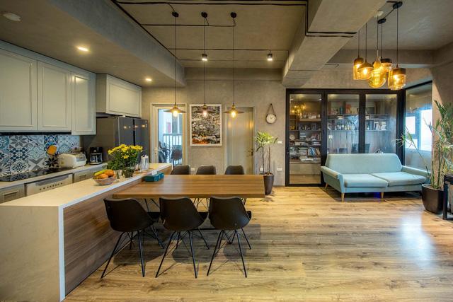 Đi ngược số đông, gia đình trẻ ở Hà Nội cải tạo căn hộ 2 phòng ngủ thành một - Ảnh 3.