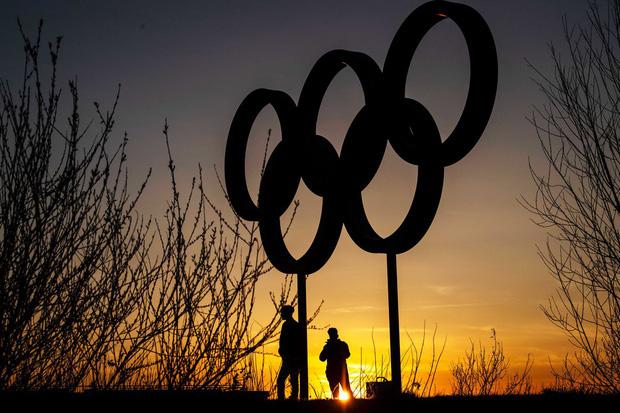Olympic Tokyo bị hoãn: Thành trì cuối cùng của thể thao thế giới sụp đổ trước Covid-19 và lần hiếm hoi người Nhật bị chỉ trích - Ảnh 6.