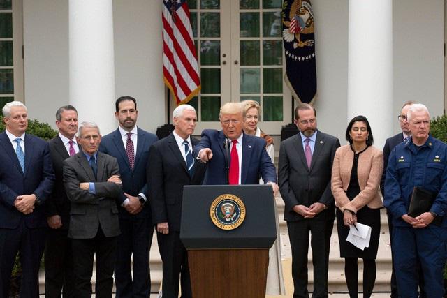 Tổng thống Trump và các nhà lãnh đạo thế giới: Ai là người tuân thủ quy định giữ khoảng cách giao tiếp nhất? - Ảnh 11.
