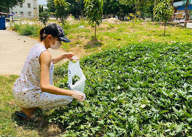 Cuộc sống của siêu mẫu Võ Hoàng Yến tại khu cách ly: Luộc rau bằng ấm siêu tốc, chăm chó  - Ảnh 6.