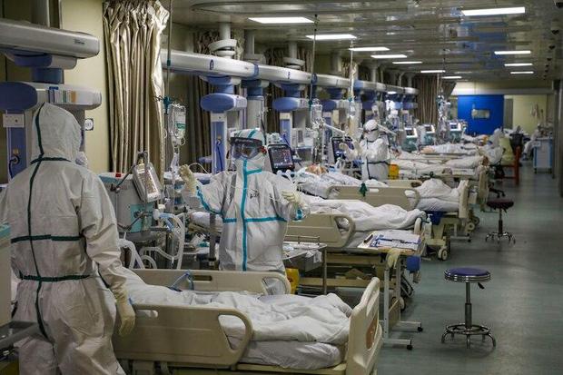 Mọi thứ trở nên hỗn loạn chưa từng thấy: Các bệnh viện Mỹ đang vỡ trận vì đại dịch virus corona - Ảnh 4.