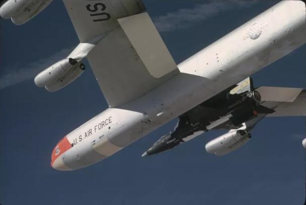 Hậu trường quân đội Mỹ bảo đảm sẵn sàng hạt nhân giữa đại dịch - ảnh 1