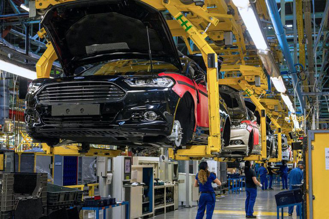 Ford cảnh báo có thể cắt giảm nhân lực nếu đại dịch trở nên tệ hơn - Ảnh 1.