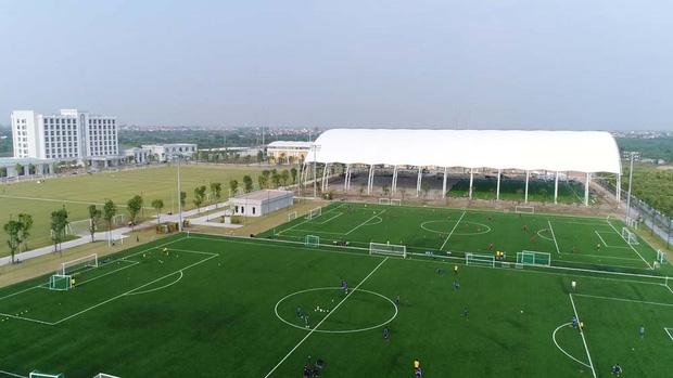 Bóng đá Việt Nam bật chế độ 'tự cách ly' mùa dịch Covid-19, đến lãnh đạo cũng không được vào thăm cầu thủ - ảnh 2