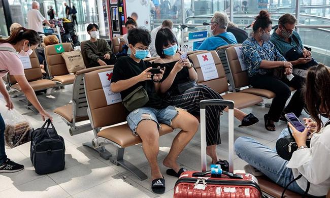Thái Lan: Du học sinh được cha mẹ cho đi trốn dịch ở khu nghỉ dưỡng hạng sang nhưng lại tụ tập tiệc tùng với bạn bè rồi bị nhiễm Covid-19 - Ảnh 6.