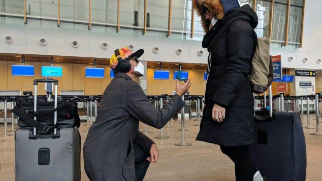 Bắt chuyến bay cuối cùng, chàng trai khởi đầu hành trình đi cầu hôn bạn gái ở đất nước khác đầy hiểm nguy giữa mùa dịch Covid-19 hoành hành - Ảnh 10.